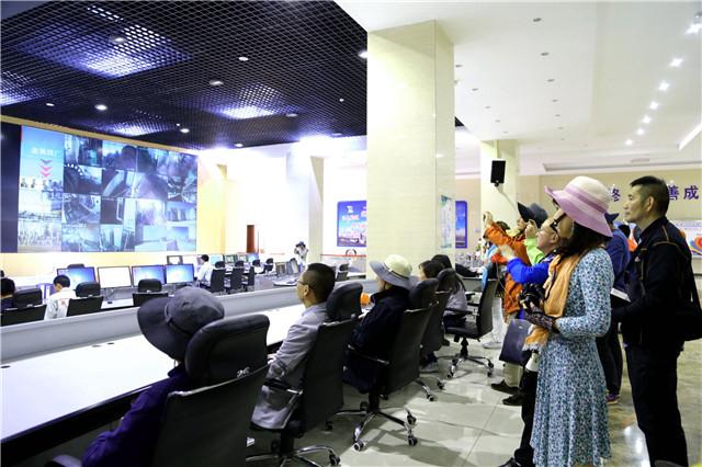 青海柴达木盆地循环经济崛起