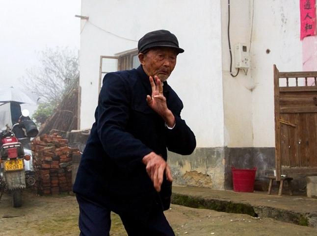 [活着的丰碑]老红军谭萃维:脚踝中弹受伤与部队失联