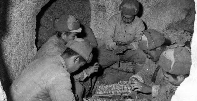 朝战旧照:志愿军的生活点滴