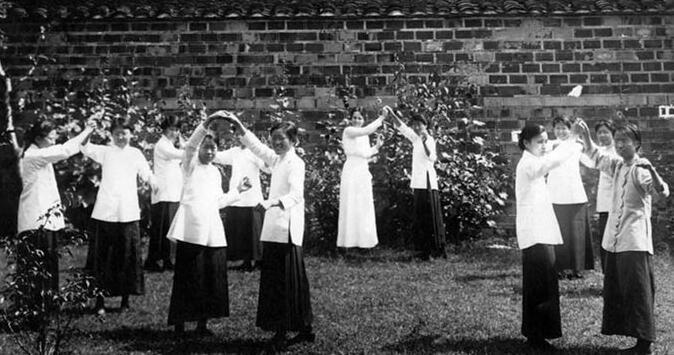 999朵玫瑰:中国最早的女大学生