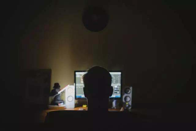 蝗虫刷客:手握千万手机号,分秒间薅干一家平台 新湖南www.hunanabc.com