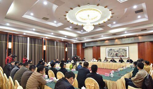 杨光荣提名为省政府秘书长 不再担任张家界市委书记