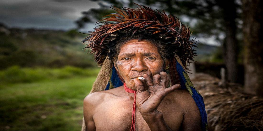 印尼土著神秘习俗探秘:亲人去世女性须断指