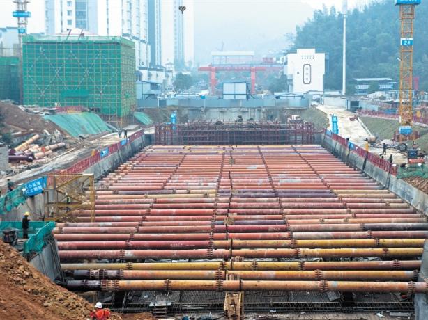 长株潭城铁西延线进入施工高峰期 预计明年底建成通车