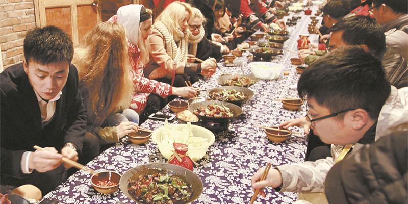 中国首届腊味节在湘西古丈开幕