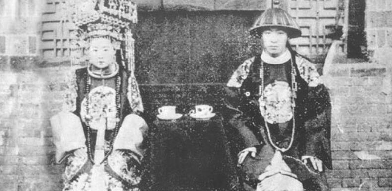 清朝夫妻真实面貌:头上装饰反映阶层
