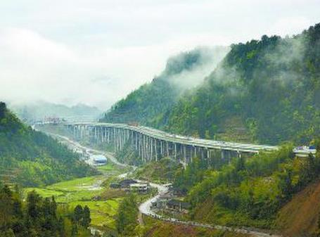 湖南首条旅游公路在湘西泸溪县开建 规划2018年底竣工