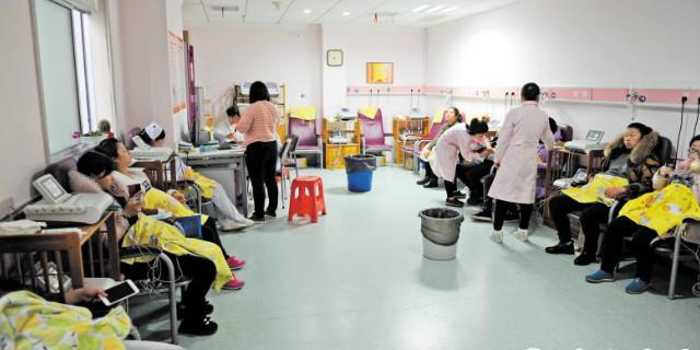 去年下半年以来各大医院分娩量井喷 新生宝宝超4成是二孩