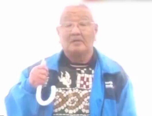76岁老人向24岁的自己喊话 当他说出那件事后嘉宾都沉默了
