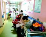 长沙:三甲医院人满为患 二级医院产床闲置