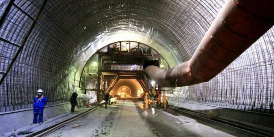黔张常铁路湘西段加紧施工