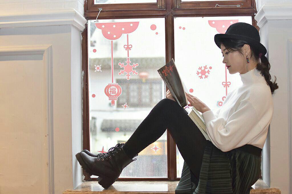 气质美女读书忙 - 美女