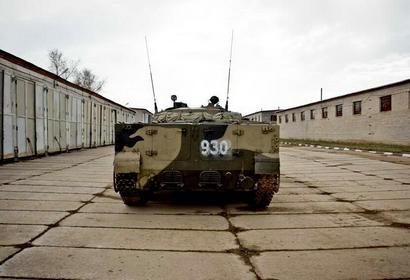 原来它方向盘长这样 俄罗斯BMP-3步兵战车