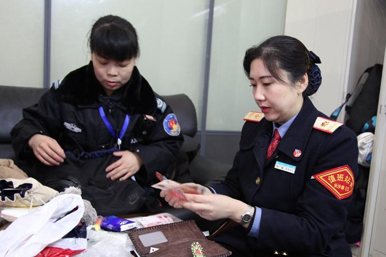 """长沙南站的""""大堂经理"""""""