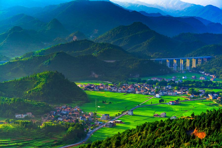 刘方弘:记录有内涵的风景