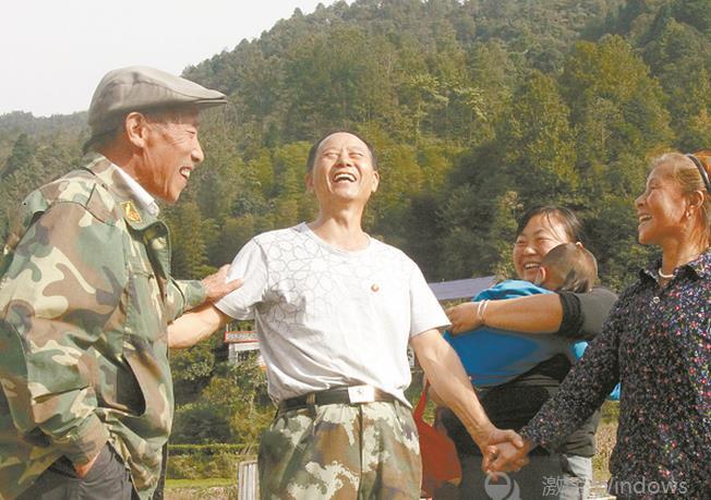 六塔山下壮歌行——追记献身石门县扶贫攻坚战场的老兵王新法