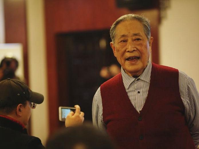 华声直播>>冬夜美好 听史鹏老先生开讲《浸透哲学的儒家诗教》