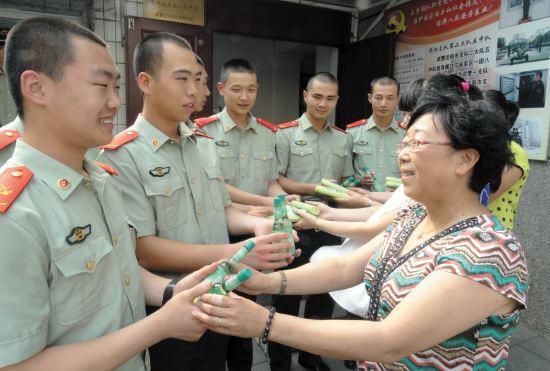 湖南团代表热议推进军民融合:实现一份投入多份产出