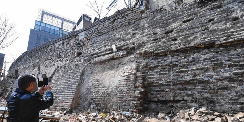 600余年古城墙残壁现身济南