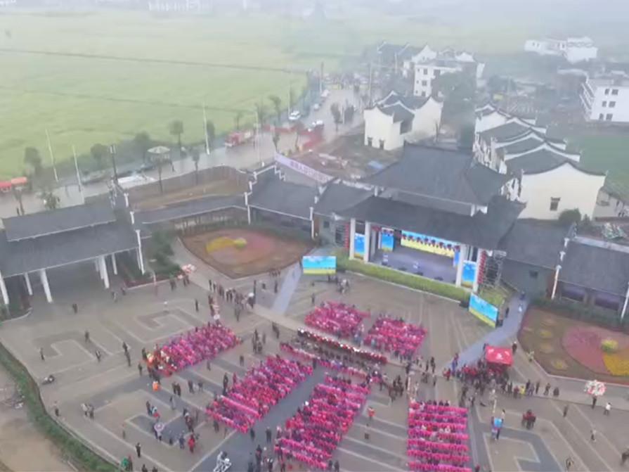 湖南春季乡村旅游节安仁开幕 近3万游客同游油菜花海