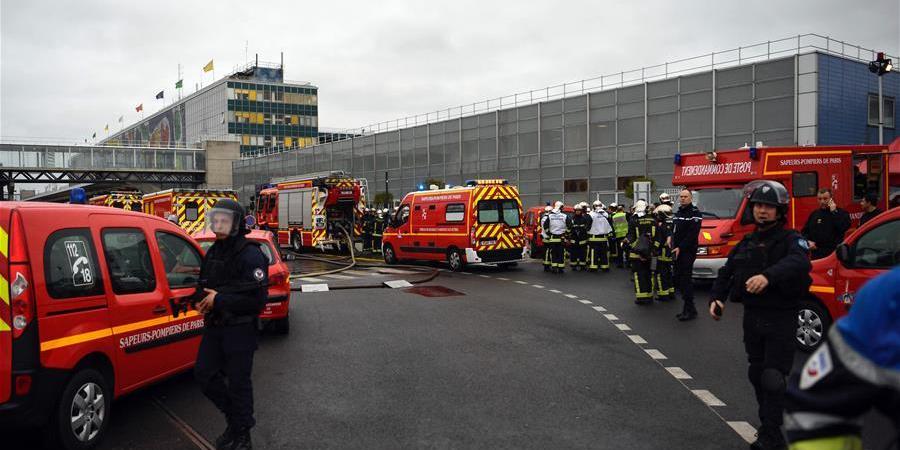 巴黎奥利机场发生抢夺军人武器事件 一人死亡