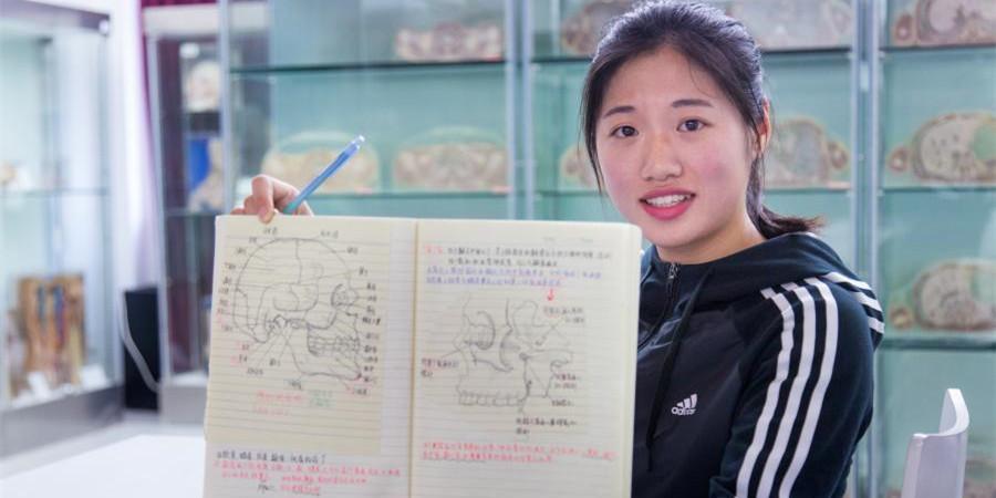 厉害了妹子!杭州大二女生解剖学笔记惊艳走红
