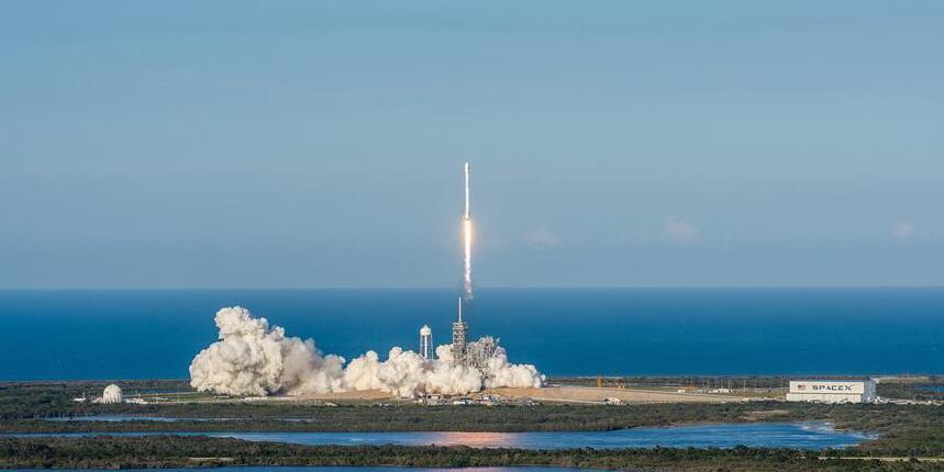 """人类太空史上首次!美国公司用""""二手""""火箭发射卫星"""