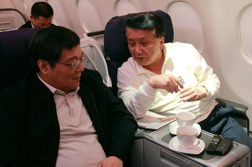 """湖南省委书记乘机偶遇CEO,把""""一带一路""""聊到了空中"""