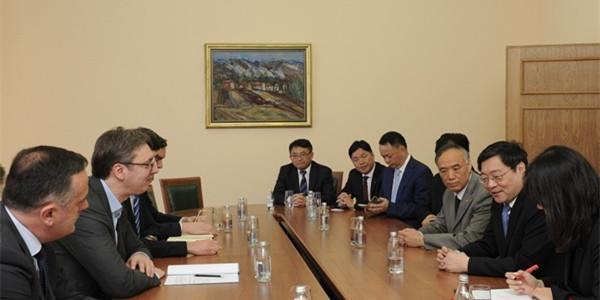 塞尔维亚总理、候任总统武契奇会见杜家毫