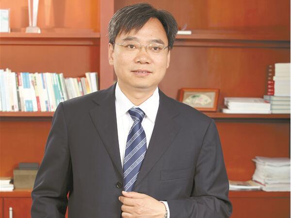 走近科学家   冯江华:几度从容牵巨轮