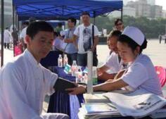 医院设健康联络员,长沙2500余名高校老人受益