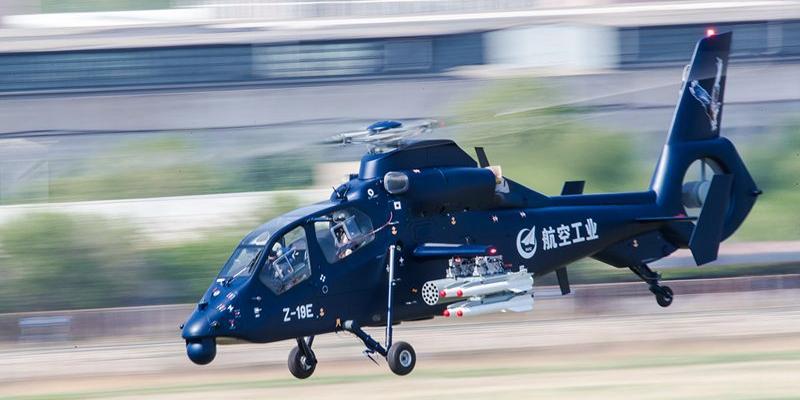 国产直-19E直升机在哈尔滨首飞成功