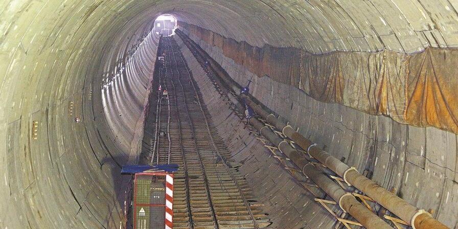 衡阳过江隧道穿过江中最低点