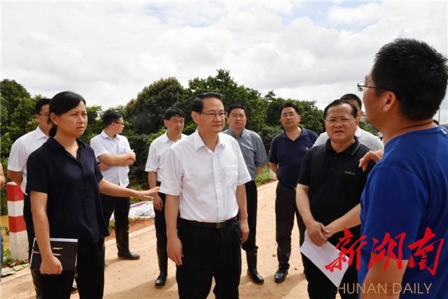 保卫长沙安宁祥和 易炼红再赴一线督战防汛抗灾工作