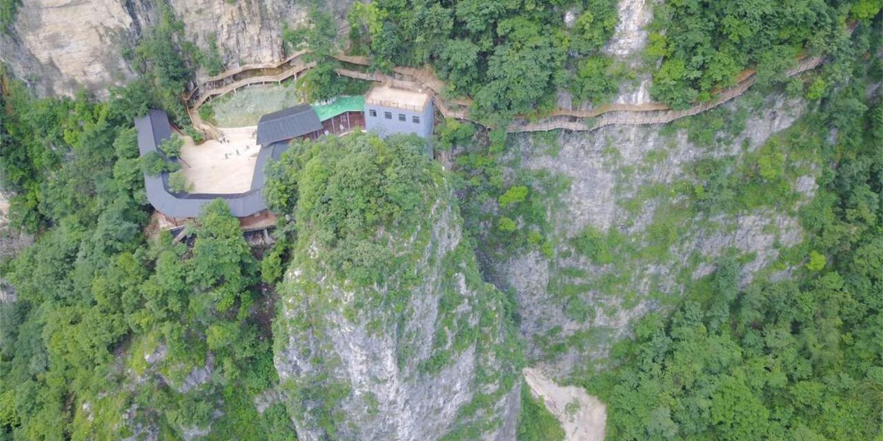 张家界大峡谷悬崖电梯、栈道恢复开放