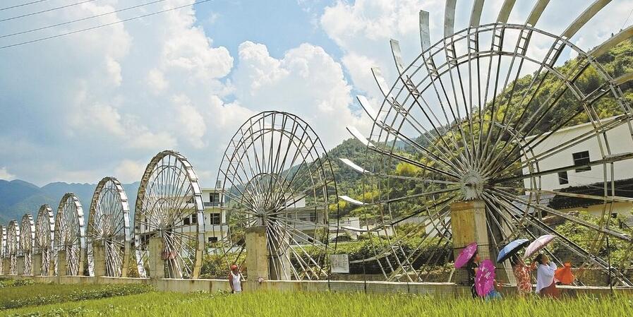 桂东县四都镇双溪村:水能发电站试发电成功