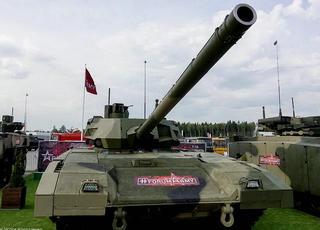 比中国坦克如何 感受俄罗斯最先进坦克