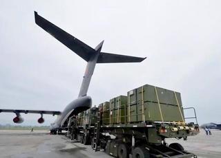 有容乃大 运-20运输机装卸物资高清大图