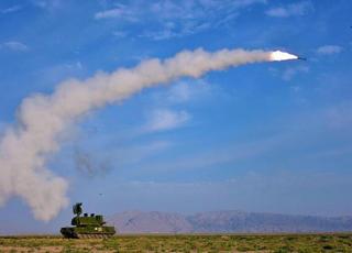 西北望射天狼 戈壁滩多型导弹实射演练