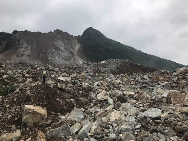 贵州纳雍山体崩塌已致15人遇难 8人受伤