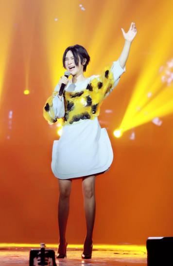 《挑盟3》曾舜��尚雯婕同台飙歌 彭小苒谢依霖甜美开嗓