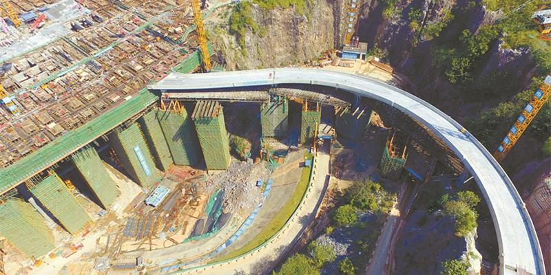 湘江欢乐城欢乐雪域消防桥完工
