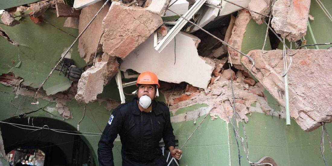 墨西哥地震致多死 救灾现场一片狼藉