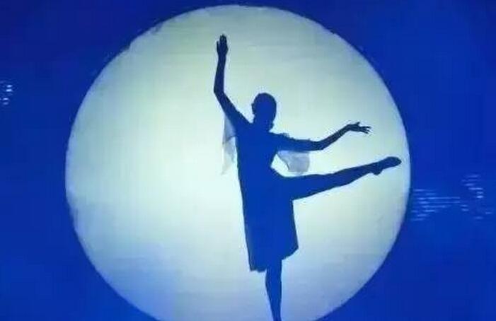 《月光》,唱着乡愁,思念故乡