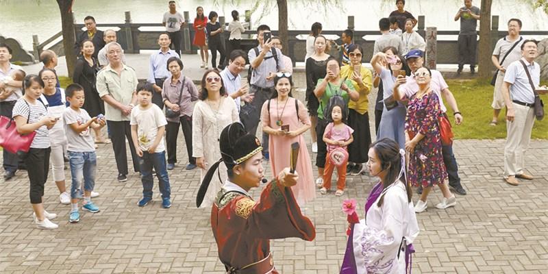黔阳古城:文化旅游乐游客