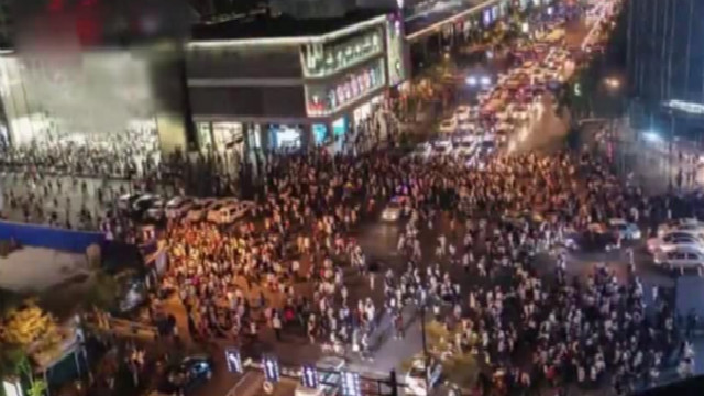 杭州龙翔桥成杭州最繁忙的路口 堪比时报广场和涩谷