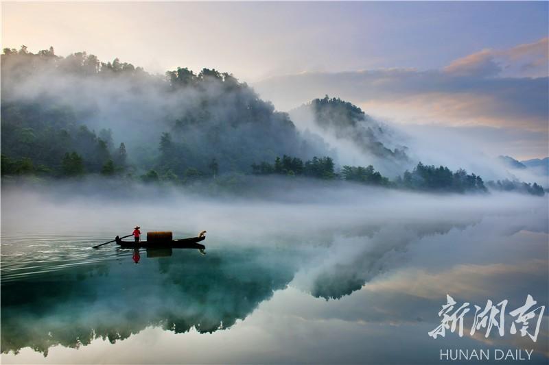 白廊桃花节,黄草鱼文化节,天鹅山露营大会等旅游节会将资兴全域旅游
