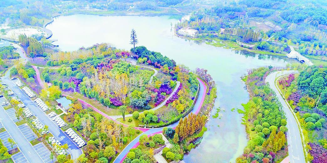 秋染尖山湖