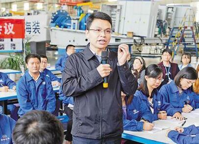 [领航新征程]党代表胡栋向青年宣讲十九大精神:青年的未来有广阔舞台