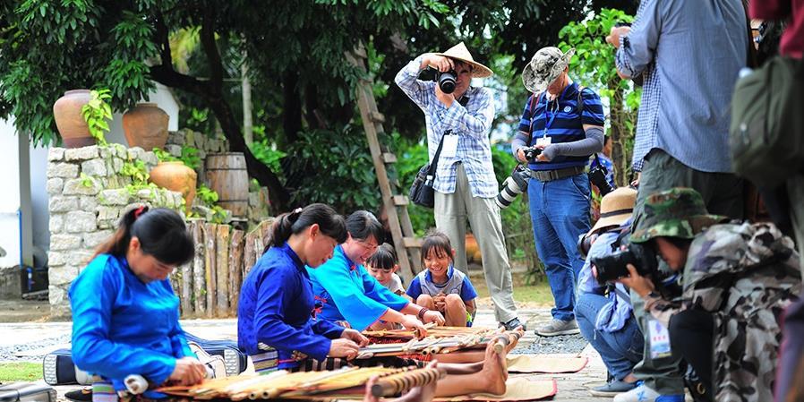 摄影家走进三亚海棠区北山村 发现古朴乡村新魅力